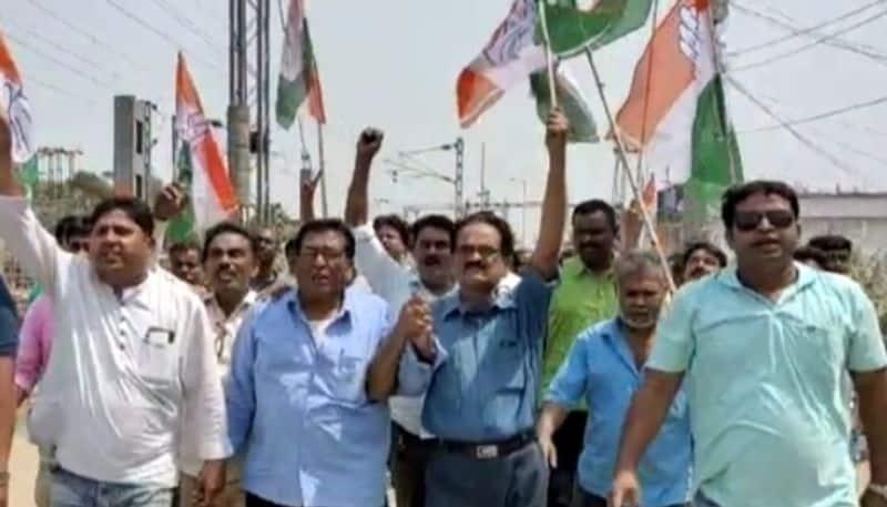 Congress workers protest at murshidabad sagardighi demanding change the candidate spb