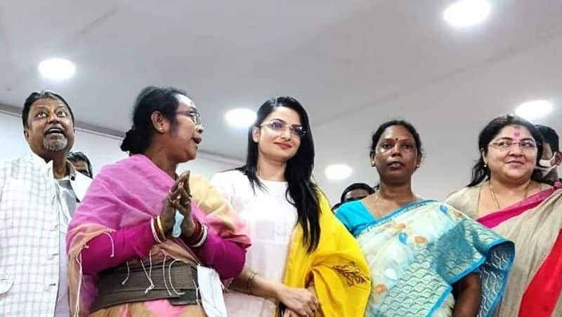 Daughter-in-law votes for mother-in-law in Shampur, complains BJP candidate Tanushree Chakraborty spb