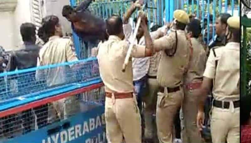 students protest in hyderabad over telangana govt employees retirement age increasing ksp