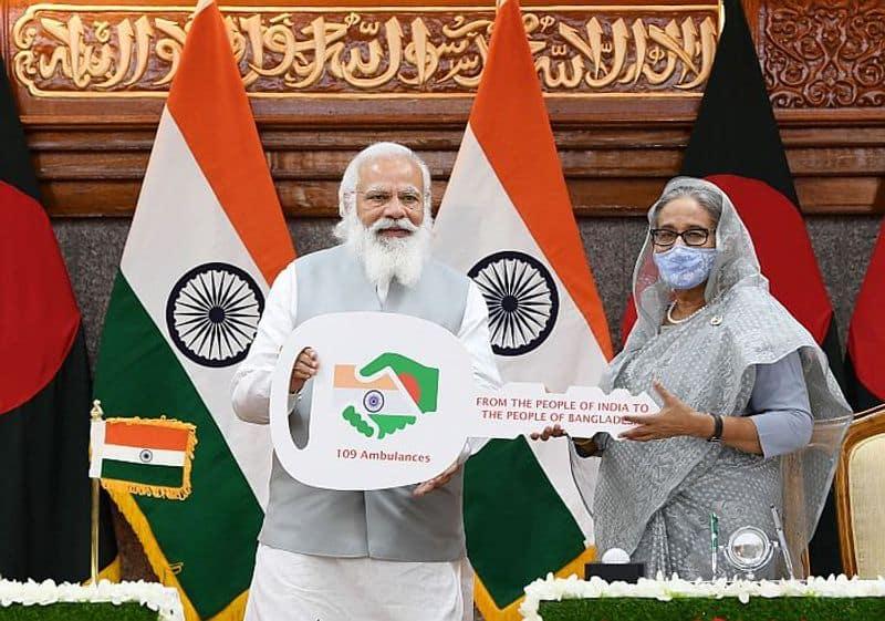 <p>সম্প্রতি বিদেশ সফরও সেরে এসেছেন মোদী। বাংলাদেশে২ দিনের সফরে গিয়ে একাধিক কর্মসূচি করেছেন ভারতের প্রধানমন্ত্রী।<br /> &nbsp;</p>