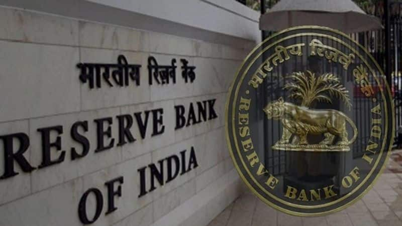 RBI restricts American Express and Diners Cards from on boarding new credit card customers pod
