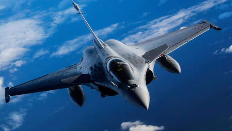 3 Rafale jets take off from France to India, to be refuelled mid-air in UAE