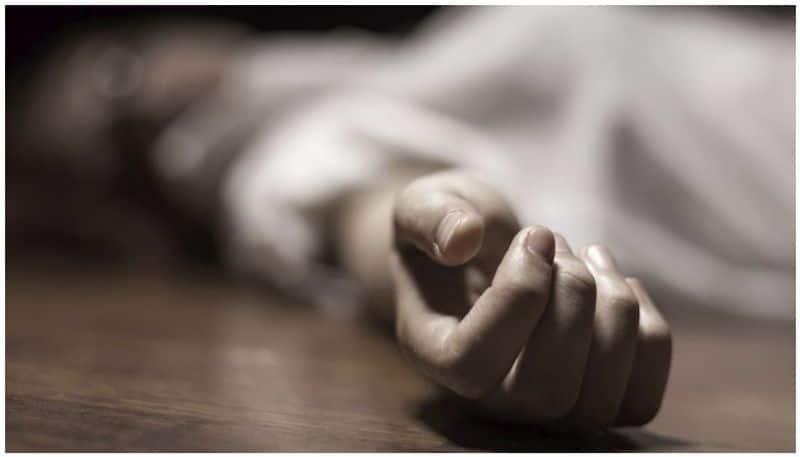 Man Committs Suicide at Ankola in Uttara Kannada grg