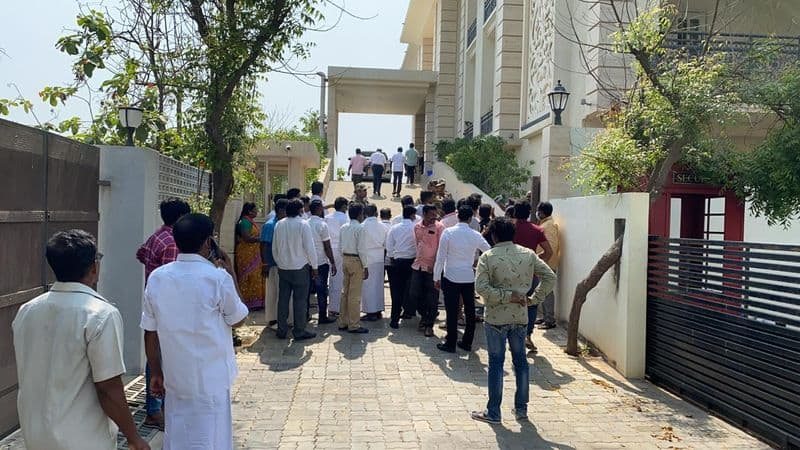 it raids on dmk chief stalins son in law house and 4 places in chennai ksp