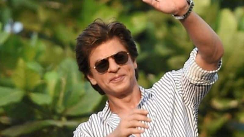 <p>Khan is known for his gentlemanly behaviour and his sharp wit during interviews or chats. So how will Khan be when you meet him in person without cameras? Here are some people who met with the star and wrote their experiences on Quora.</p>