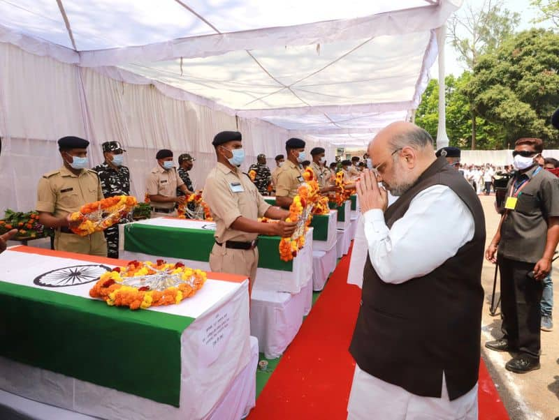 <p>Union Home Minister Amit Shah arrived in Jagdalpur in Chhattisgarh on Monday to pay tribute to the security personnel who lost their lives in an attack by the Naxals on Saturday. Shah and Chief Minister Bhupesh Baghel laid wreaths at the coffins of 14 security personnel.<br /> &nbsp;</p>