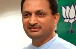 <p>Ananth kumar Hegade</p>  <p>Ananth kumar Hegade</p>