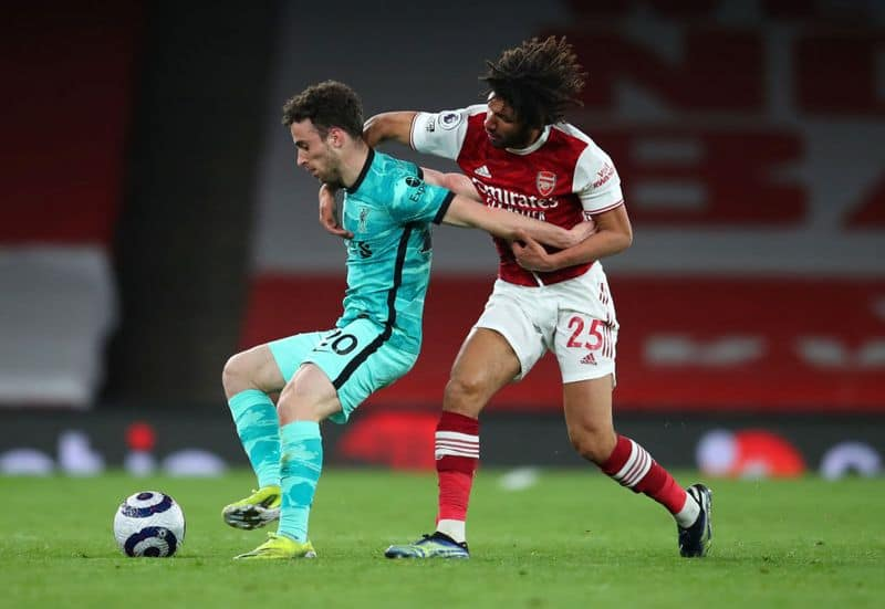 <p><strong>Arsenal outclassed by Liverpool</strong><br /> Arsenal's miserable season continued as it succumbed to an embarrassing 0-3 defeat at the hands of defending champion Liverpool at the Emirates Stadium. While The Reds has kept its top-four hopes alive, the Gunners is in serious doubt of a European spot as it plunges back to the tenth spot.</p>