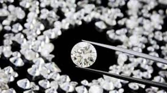 Rs.1.04 crore diamonds seized at panchalingala checkpost police lns