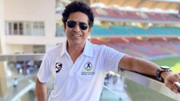 Sachin Tendulkar tested negative from covid 19 and discharge from hospital spb