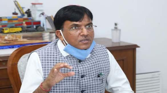 Amid high demand, 3 lakh Remdesivir vials to be produced daily within 2 weeks: Minister-dnm