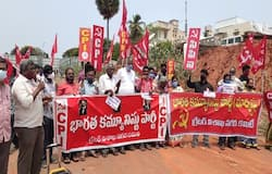 <p>left parties protest at visakha beach road</p>