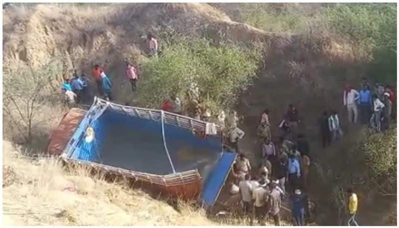 10 Killed, Over 30 Injured After Truck Falls Into Ditch In UP's Etawah