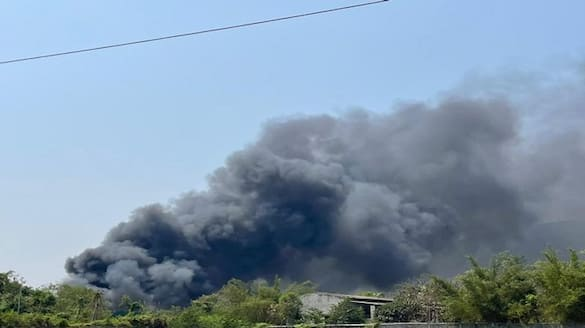Fire breaks out at cracker factory in Maharashtras Palghar district ksp