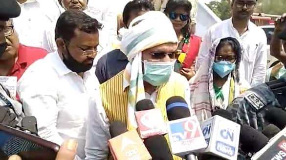 Congress leader Adhir Ranjan Chowdhury campaigning in Kumarganj bsm