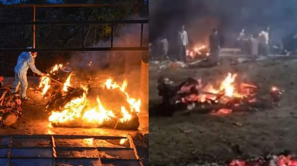 dead bodies of covid patients openly cremated in Surat as crematoriums full even after waiting nearly ten hour