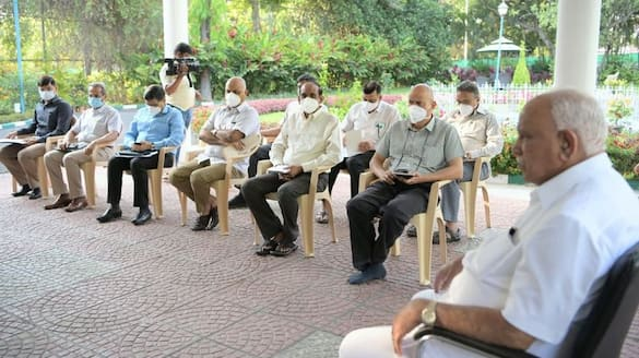 Yediyurappa Meeting with officers about KSRTC Workers Protest and Coronavirus rbj