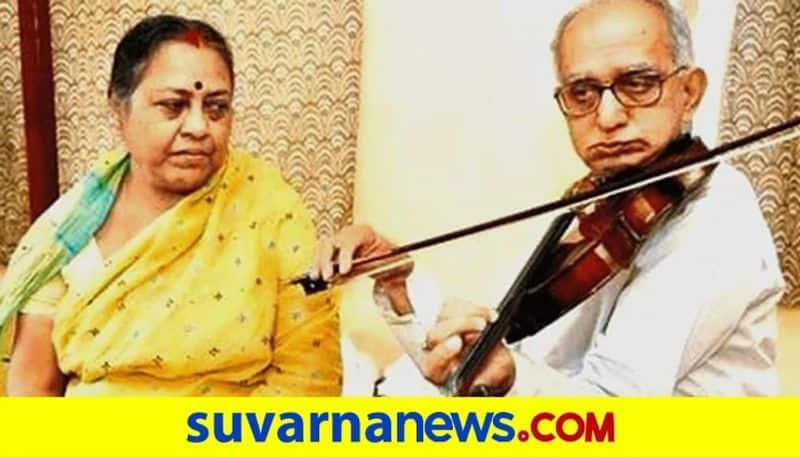 Meet the violinist serenading his cancer stricken love on India street corners pod