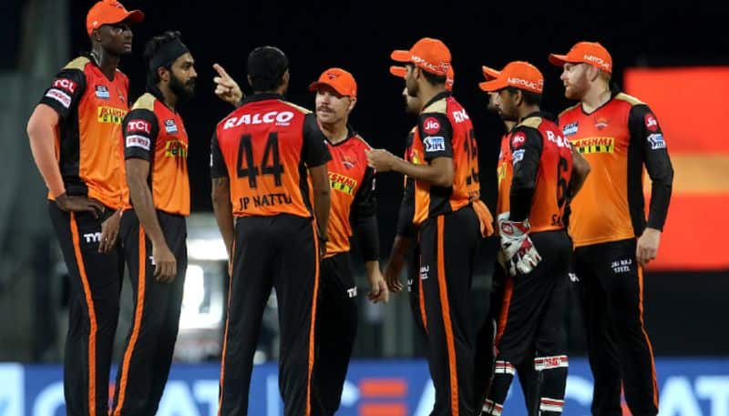 IPL 2021: Sunrisers Hyderabad player tests positive, 6 players isolated-ayh