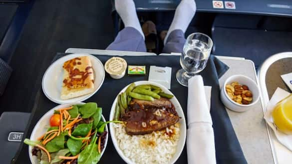 No onboard meals on domestic flights with less than 2 hours duration from today