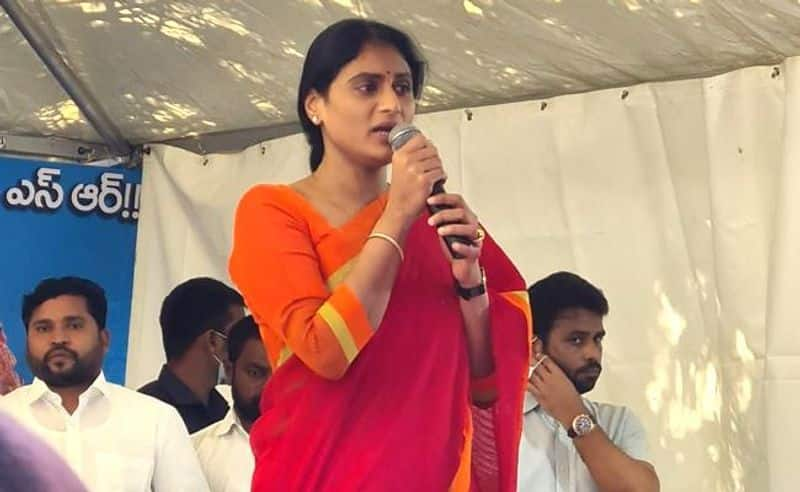 YS Sharmila ends her 72 hours protest for  govt jobs in Telangana lns