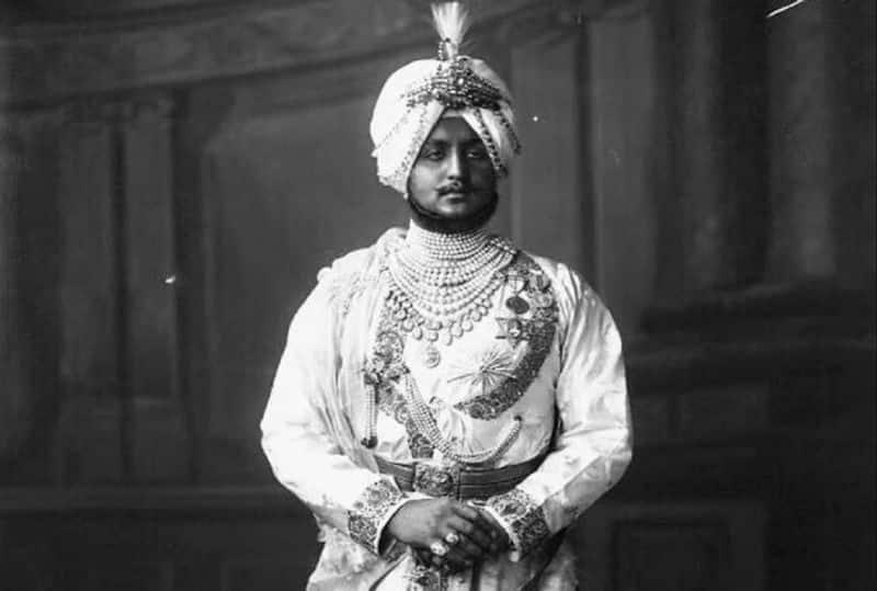 12 అక్టోబర్ 1891న జన్మించిన భూపిందర్ సింగ్ కేవలం తొమ్మిదేళ్ల వయసులో రాజు అయ్యాడు. ఆ తరువాత అతను 18 సంవత్సరాల వయస్సులో ఉన్నప్పుడు అధికారాన్ని చేపట్టి పాటియాలాను 38 సంవత్సరాలు పరిపాలించాడు. మహారాజా భూపిందర్ సింగ్ జీవితం గురించి కొన్ని ఆసక్తికరమైన విషయాలు మీకు ఆశ్చర్యం కలిగించవచ్చు.