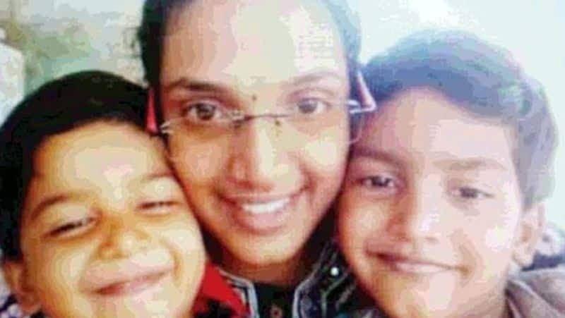 loosing 2 kids in fire accident... Mother suicide