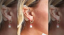<p>earring ad</p>