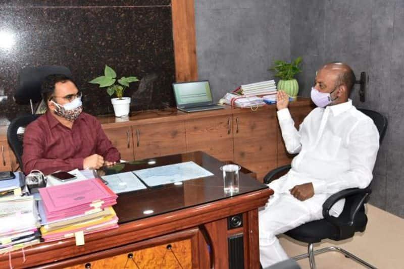 BJP MP Bandi Sanjay Meeting with Karimnagar Collector akp