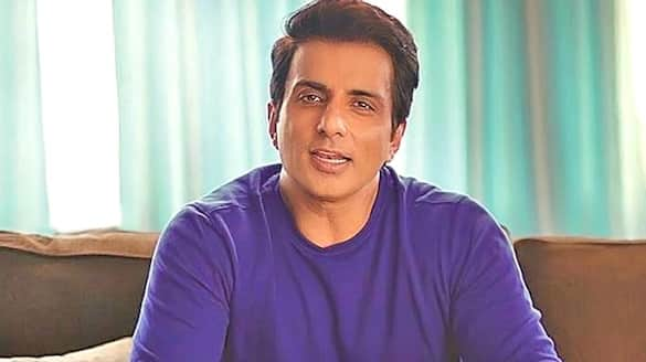 Sonu Sood saddened by the death of a woman suffering from Corona singing Love You Zindagi song PWA