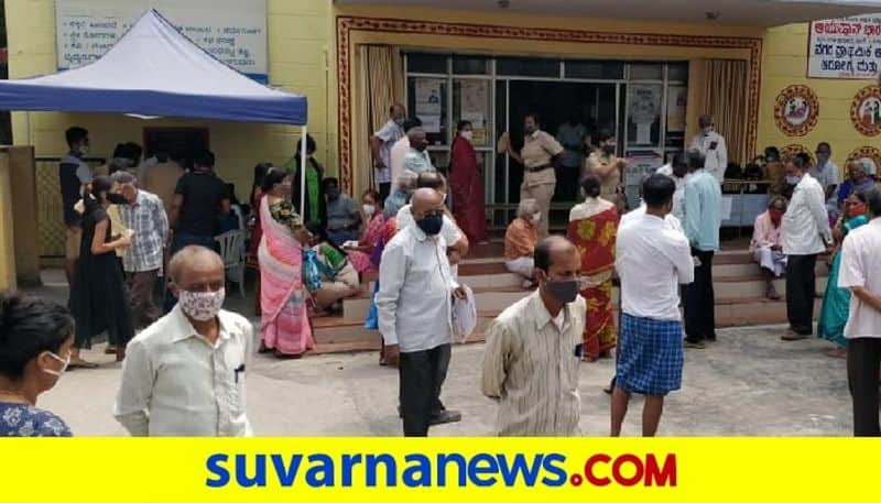 Give priority to beneficiaries of second vaccine dose Health minister dr k Sudhakar pod