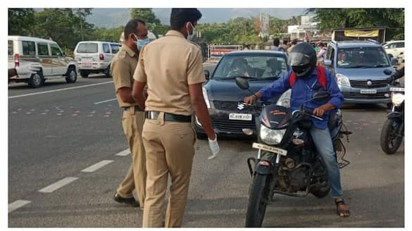 kerala second lockdown third  day strict police checking