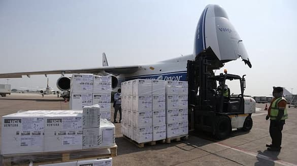Antonov 124 with 3 oxygen plants and 1000 ventilators from UK lands in Delhi-VPN