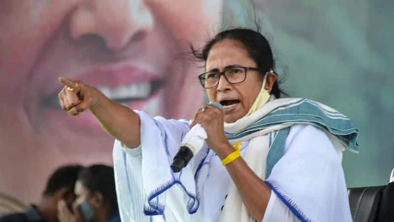 Six panchayat members joined from the Congress to TMC
