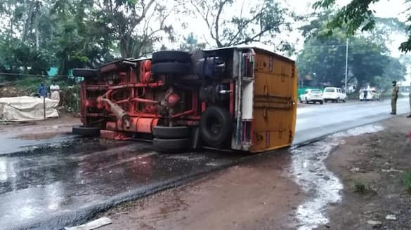 lorry accident in sathy