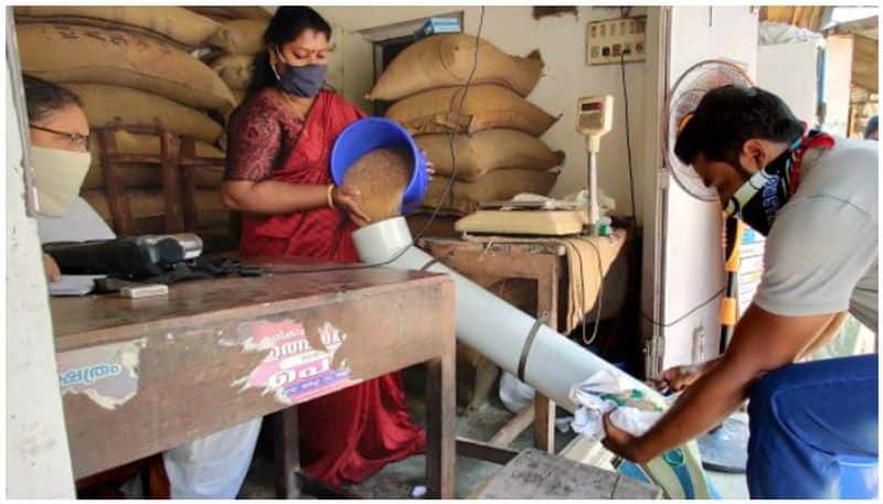 Centre asks states to keep ration shops open on all days for longer duration pod