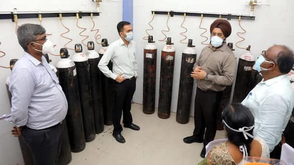 300 oxygen concentrators in corona hospitals in Chennai .. Direct inspection in Kagandeep Singh Bedi hospitals.