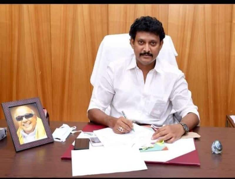 Schools are not currently open... minister anbil mahesh