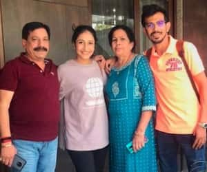 Yuzvendra Chahal's wife Dhanashree Verma that cricketer's parents tested positive for covid 19 spb