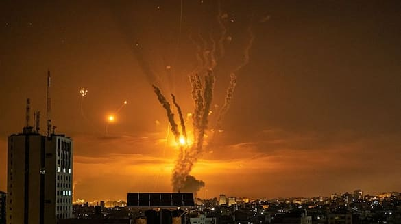 Israel launches more strikes as Gaza death toll nears 200 pod