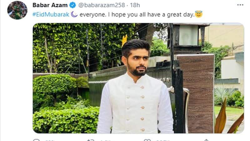 বাবর আজম-পাকিস্তান ক্রিকেট দলের অধিনায়ক বাবর আজও সকলকে ইদের শুভেচ্ছা জানিয়েছেন। নিজের একটি ছবি শেয়ার করে বাবর আজম লিখেছেন,'সকলকে ইদের শুভেচ্ছা। আজকের দিনটি সকলের খুব ভালো কাটুক।'