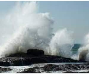 sea shore high tide issue alert in kerala