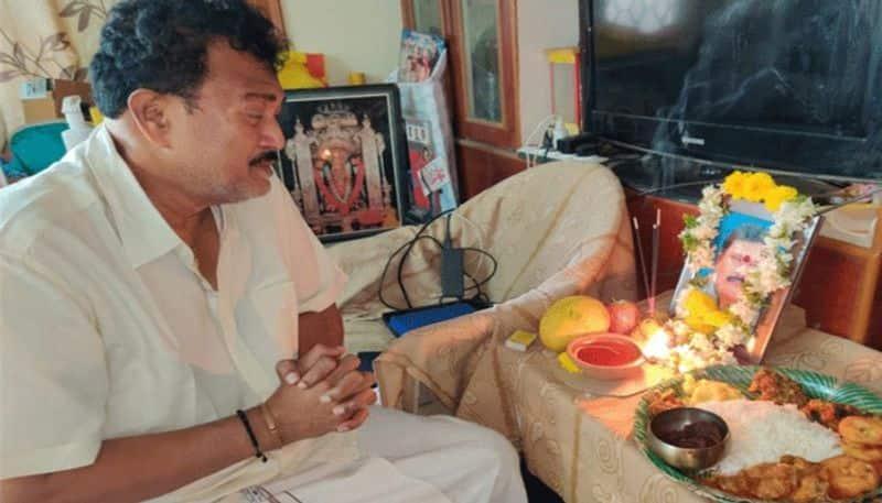 comedian gautam raju brother passed away due to corona  arj