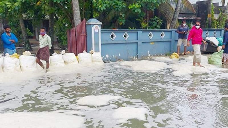 Cyclone Tauktae: 2 Killed in Kerala, 4 in Karnataka as Storm Intensifies; Rains Lash Goa, Mumbai on Alert lns