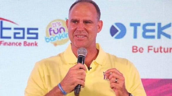Anand Mahindra praise Matthew Hayden for emotional note on Covid situation India ckm