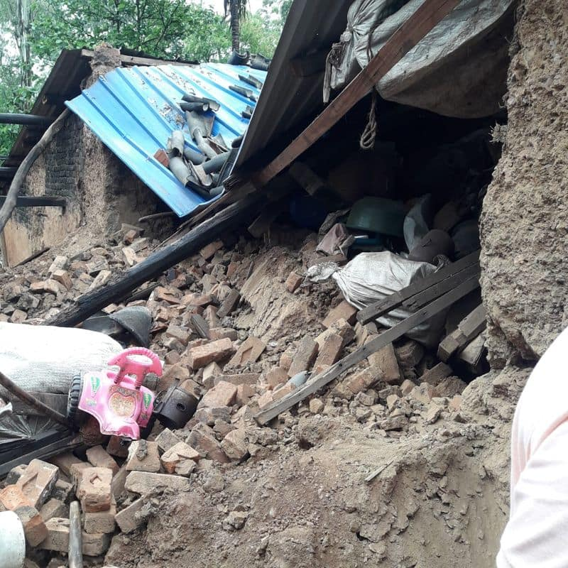 heavy rainfall in belagavi Two Dies after house collapsed rbj