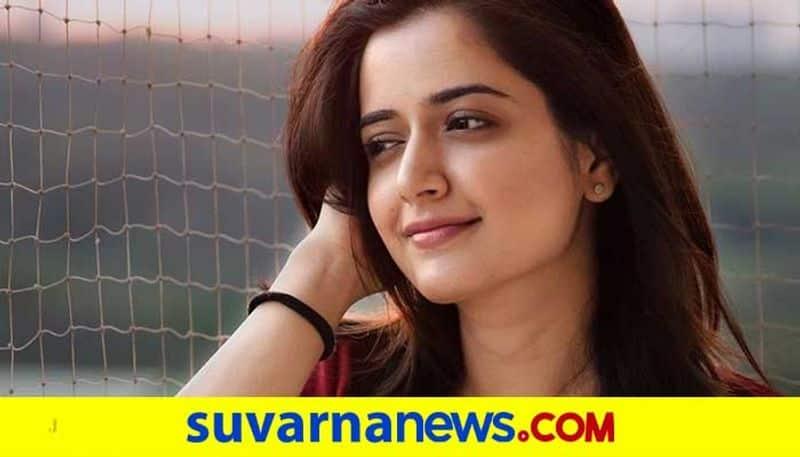 Kannada actress Ashika Ranganath reveals lip care secret vcs