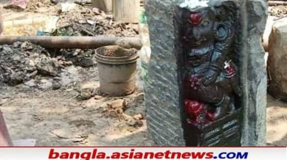 The architecture and the idol of Vishnu found in Murshidabad after digging the soil RTB