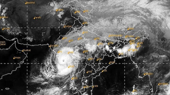 Cyclone Tauktae updates landfall at Saurashtra coast-VPN