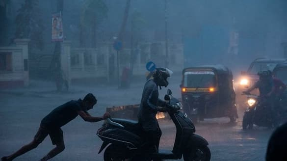Heavy Rain fall  forecast  in  Bengal due to Cyclone Gulab is forming in Bay of Bengal may hit Coast area within 24 hours RTB